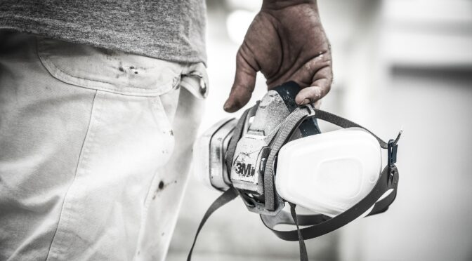 The Basic Types of Respirators – And How to Select the Right One for Your Workplace